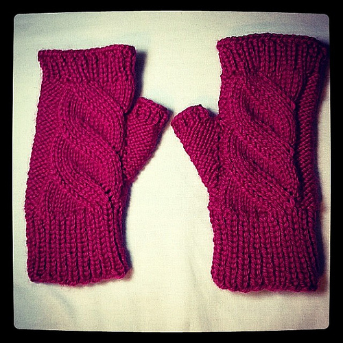 Faux Cable Fingerless Mitts